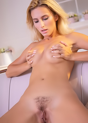 Cara Mell Teasing Her Stiff Nipples As She Masturbates Avidly